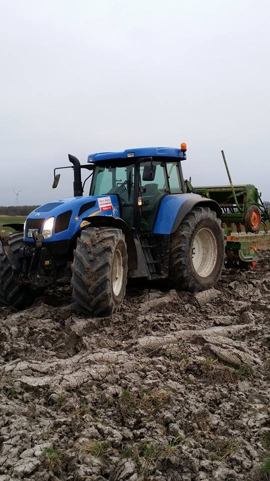 Lohnbetrieb Alfred Arends Ostfriesland - Bodenbearbeitung